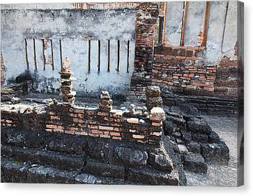 Sukhothai Historical Park - Sukhothai Thailand - 011361 Canvas Print by DC Photographer
