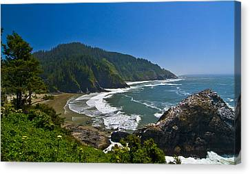 Summer Day On The Oregon Coast Canvas Print