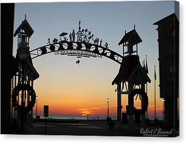 Sun Reflecting On Clouds Ocean City Boardwalk Arch Canvas Print