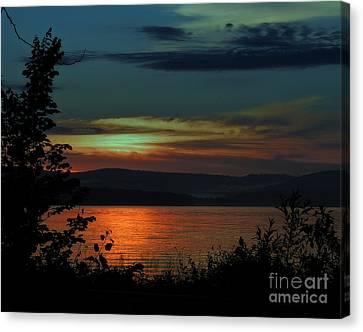 Sun Sets On Winnisquam Canvas Print
