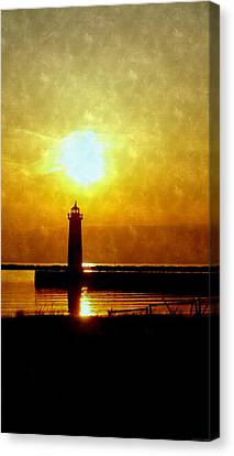 Sun Setting On The Lighthouse At Muskegon Pier Canvas Print by Rosemarie E Seppala