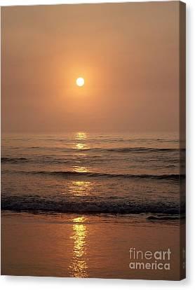 Sun Up Along Hampton Beach Canvas Print by Eunice Miller