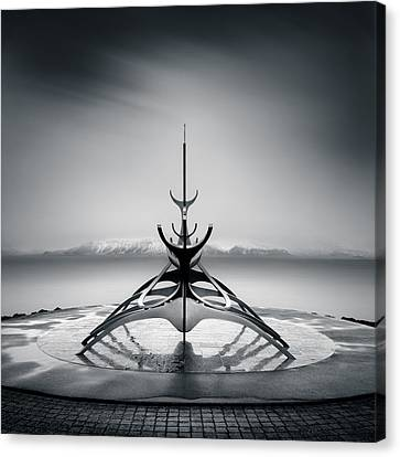 Sun Voyager Canvas Print by Dave Bowman
