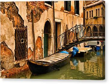 Sunday In Venice Canvas Print by Mick Burkey