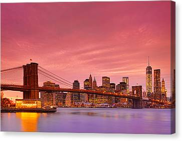 Sundown City Canvas Print by Midori Chan