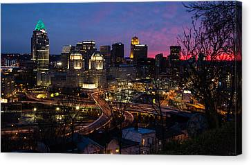 Sundown On The City Canvas Print by Cathy Donohoue