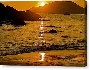 Sundown Sea Canvas Print by Richard Hinger