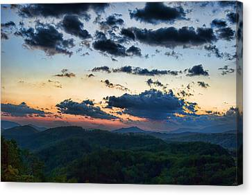 Sundown Canvas Print by Steven Richardson