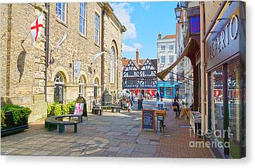 Sunny Day In Salisbury Canvas Print