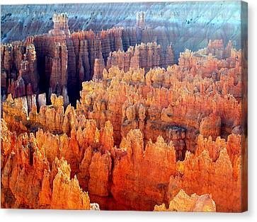 Sunrise At Bryce Canyon Canvas Print