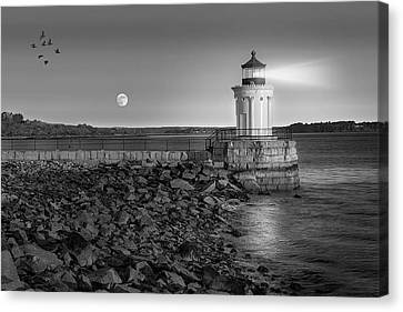 Sunrise At Bug Light Bw Canvas Print by Susan Candelario