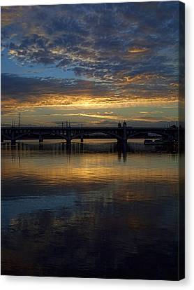 Sunrise At Tempe Town Lake Canvas Print by Elaine Snyder