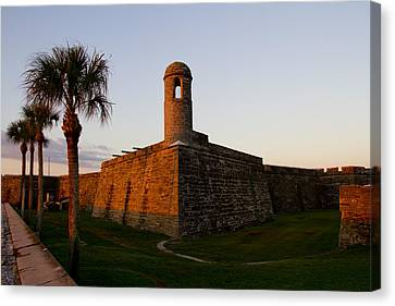 Canvas Print featuring the photograph Sunrise At The Fort by Kathy Ponce