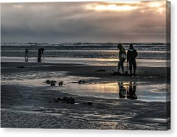 Sunrise Clam Tide Canvas Print by Nichon Thorstrom