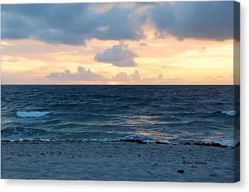 Canvas Print featuring the photograph Sunrise In Deerfield Beach by Rafael Salazar