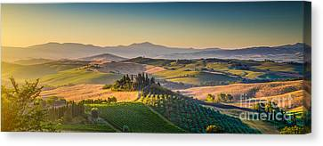 A Golden Morning In Tuscany Canvas Print by JR Photography