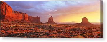 Sunrise, Monument Valley, Arizona, Usa Canvas Print