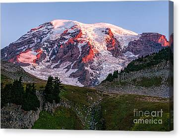Sunrise Mt Rainier Canvas Print
