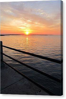 Canvas Print featuring the photograph Sunrise On Charleston Sc Battery by Joetta Beauford