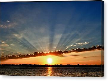 Canvas Print featuring the photograph Sunrise On The Bay Front by Kathy Ponce