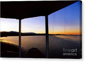 Sunrise On The Hudson Canvas Print by Skip Willits