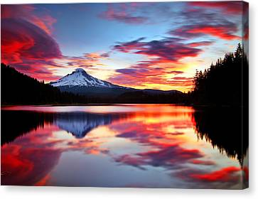 Sunrise On The Lake Canvas Print by Darren  White