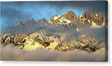 Sunrise On Thompson Peak Canvas Print by Ed  Riche