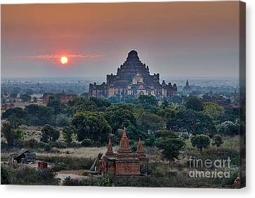 sunrise over Bagan Canvas Print by Juergen Ritterbach