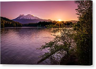 Sunrise Over Lake Siskiyou And Mt Shasta Canvas Print by Scott McGuire
