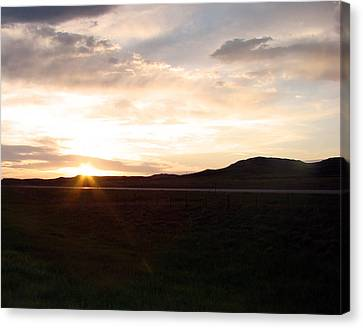 Canvas Print featuring the photograph Sunset Across I 90 by Cathy Anderson