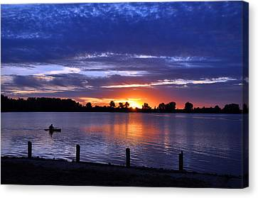 Sunset At Creve Coeur Park Canvas Print by Matthew Chapman