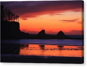 Sunset Bay Sunset 2 Canvas Print by Mark Kiver