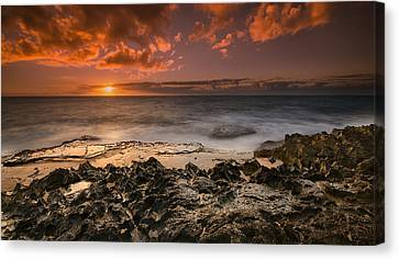 Sunset By The Sea Canvas Print