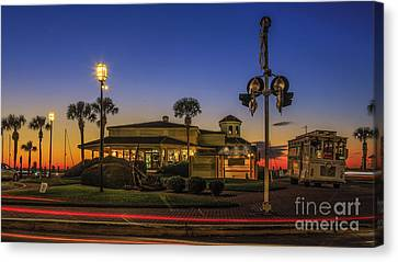 Canvas Print featuring the photograph Sunset Diner by Paula Porterfield-Izzo