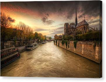 Sunset On Notre Dame Canvas Print