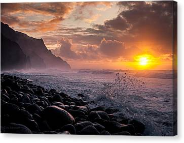 Canvas Print featuring the photograph Sunset On The Kalalau by Tim Newton