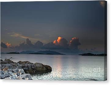 Sunset On The Sea Canvas Print