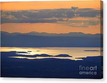 Sunset Over Lake Champlain Canvas Print