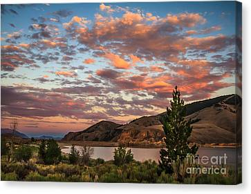 Sunset Over Mackay Canvas Print by Robert Bales