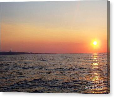 Canvas Print featuring the photograph Sunset Over Montauk by John Telfer