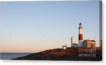 Sunset Over Montauk Lighthouse Canvas Print by John Telfer