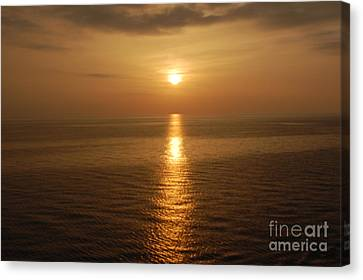 Canvas Print featuring the photograph Sunset Over The Adriatic by Linda Prewer