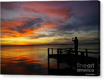 Canvas Print featuring the photograph Sunset Photographer by Tannis  Baldwin