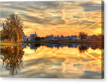 Sunset Reflections Canvas Print by Leslie Kirk