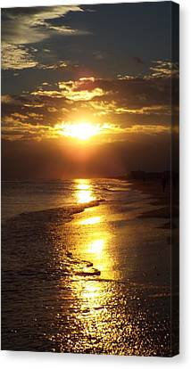 Sunset  Sand  Waves Canvas Print