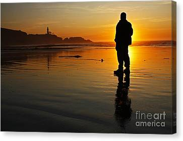 Sunset Silhouette At Yaquina Head Thirty Nine Canvas Print
