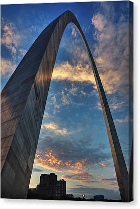 Sunset Under The Gateway Arch 001 Canvas Print by Lance Vaughn
