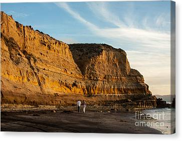 Sunset Walk At Flat Rock  La Jolla California Canvas Print by Darleen Stry