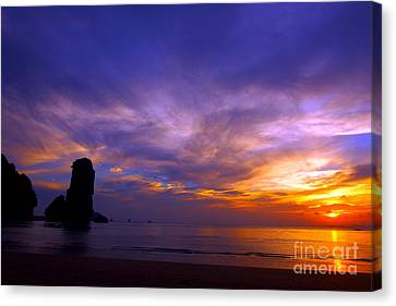 Sunsets And Beaches Canvas Print by Kaleidoscopik Photography
