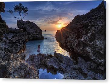 Canvas Print - Sunshower by Mario Legaspi